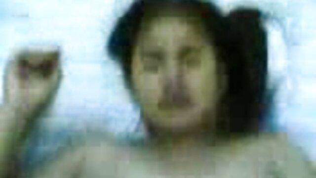गैरेज हिंदी में सेक्सी मूवी वीडियो में में