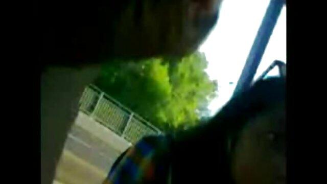 हावी आदमी उसके चेहरे पर बैठा सेक्सी मूवी वीडियो में सेक्सी हुआ था.