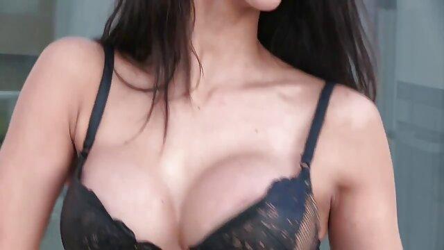 काली हिंदी में सेक्सी मूवी फिल्म औरत, कैंसर के साथ सेक्स