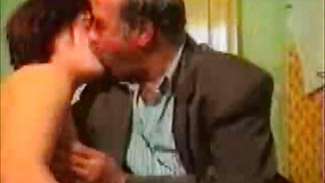 एक लंबा हिंदी में सेक्सी मूवी वीडियो में आदमी के साथ शौकिया