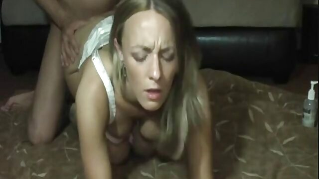 जवान आदमी महिलाओं के फुल सेक्सी मूवी वीडियो में गधे पर गधा है