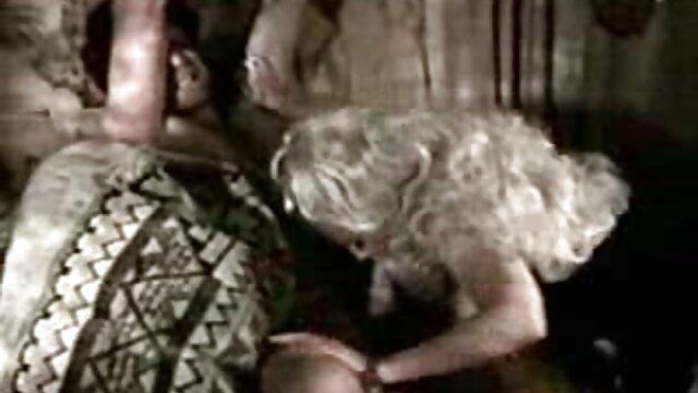 आदमी, हिंदी में फुल सेक्सी मूवी एक कुंवारी