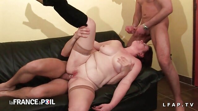 बेब ओल्गा उसके छेद के साथ खेलता हिंदी में सेक्सी पिक्चर मूवी है