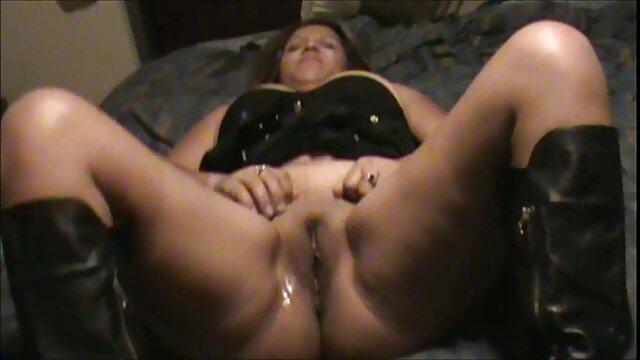 माँ नाजुक है जो योनि में जाने के बारे में चिंतित हिंदी में सेक्सी मूवी वीडियो में