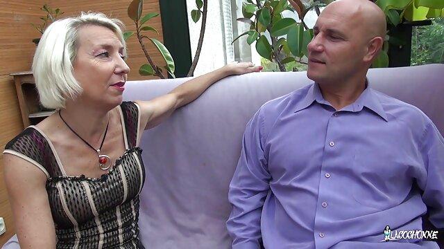 पड़ोसियों, एक युवक है, हिंदी में सेक्सी मूवी वीडियो में